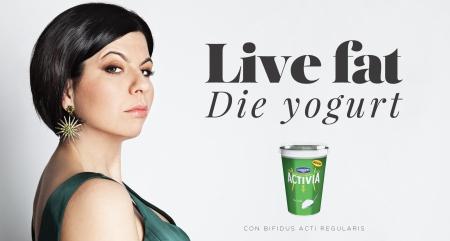 Geppi Cucciari Live Fat Die Yogurt